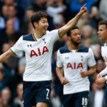 "Tottenham Terus Bayangi ""The Blues"""